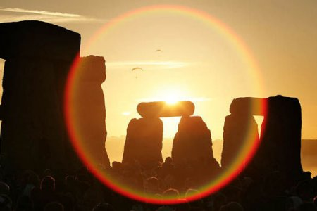summer-Solstice-sunset-at-Stonehenge-585854